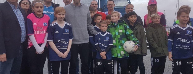 Großer Tag für den ESV - HSV-Spieler Aaron Hunt besucht Jugend